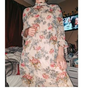 Size medium express floral dress!